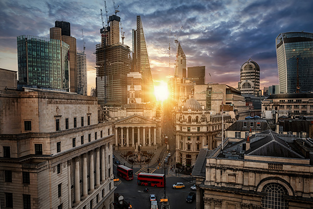 <p>JÓŹWIAK NA TARGACH PURE LONDON </p>